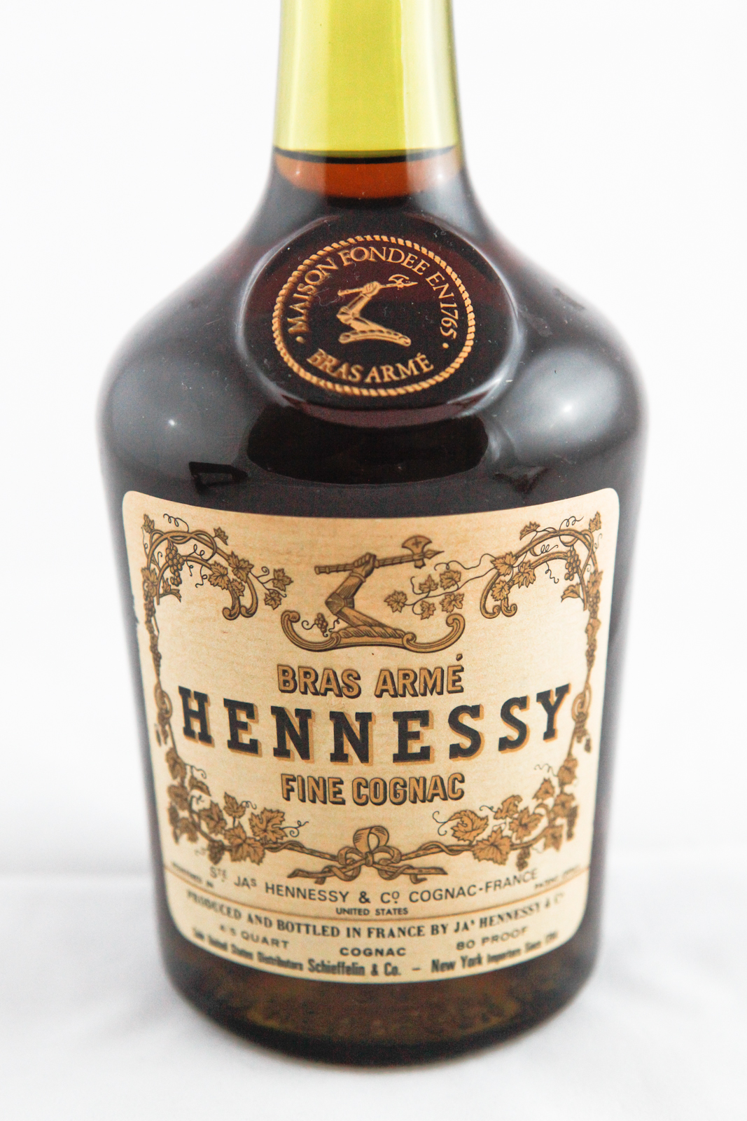 Hennessy Bras Arm 233 Fine Cognac To Offer Cognac Expert